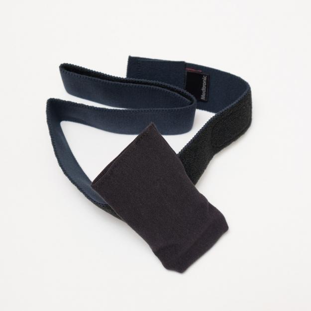 Чехол с текстильной застежкой для крепления на ноге Черный АСС-205ВК