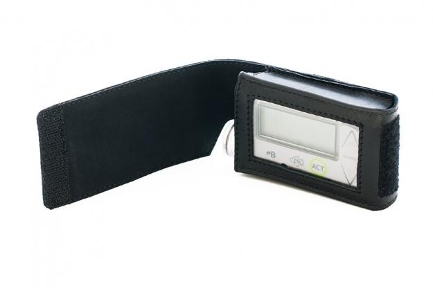 Кожаный чехол для инсулиновой помпы Медтроник MMT-715, MMT722, MMT-754 для ношения на ремне. М-3 черный